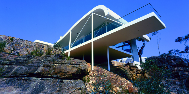 House on cliff 02
