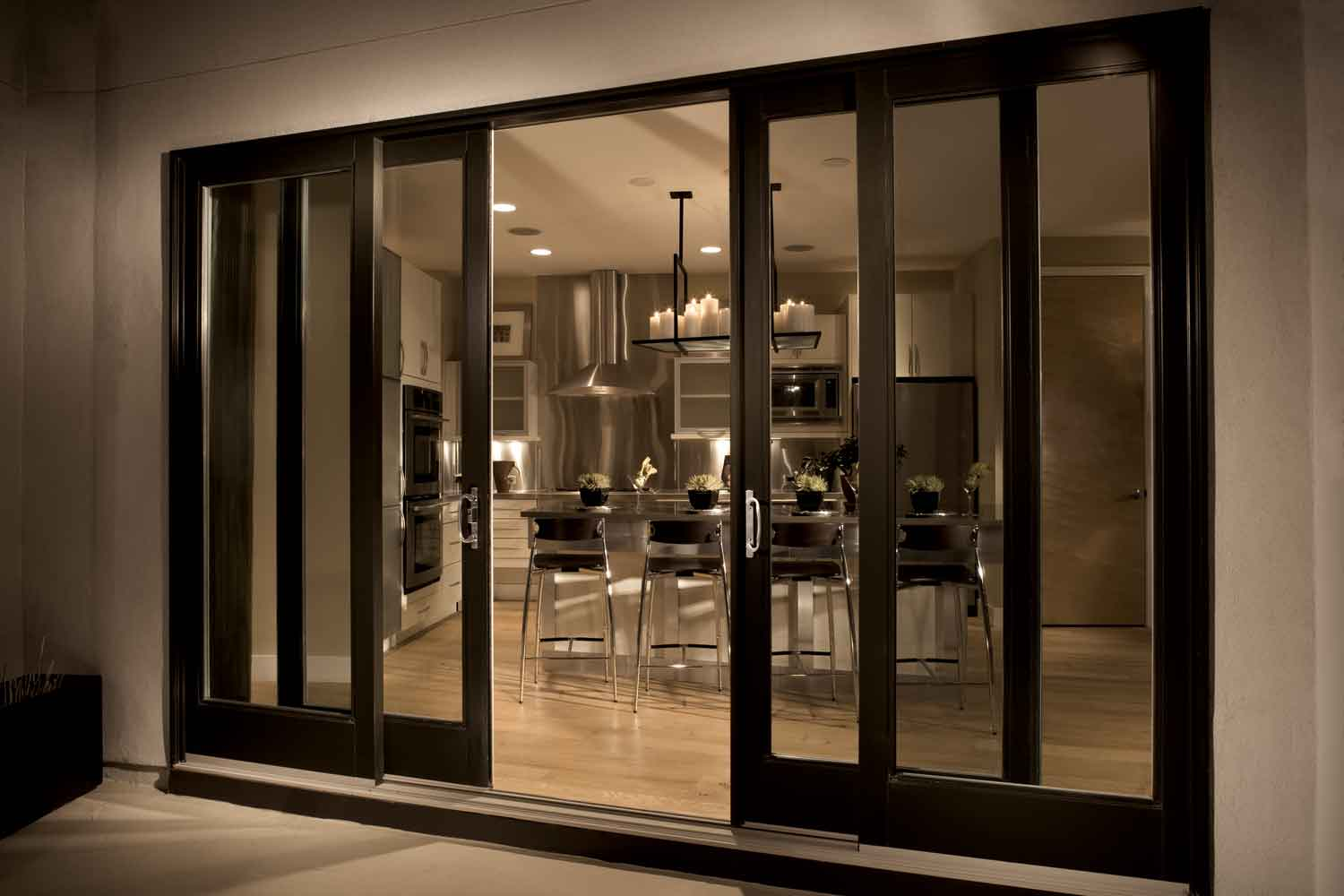 Modern glass sliding doors the art of fine living for Patio door styles