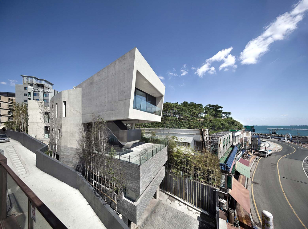 Songdo house combination between home and gallery for Houses in south korea