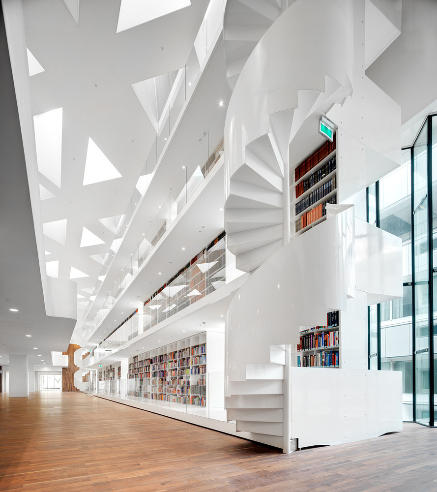 education-center-by-kaan-architecten-with-remarkable-bookcase_4
