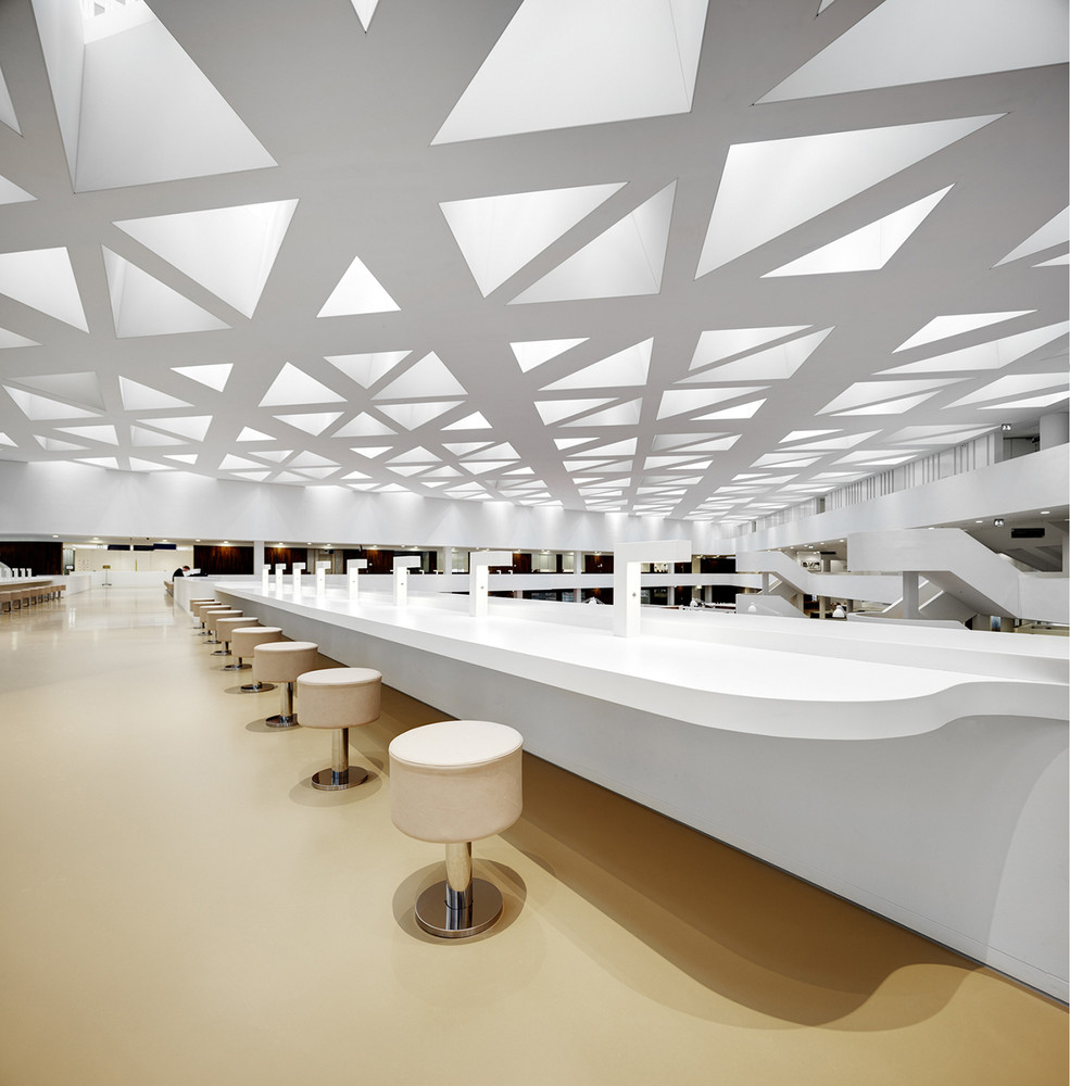 education-center-by-kaan-architecten-with-remarkable-bookcase_5