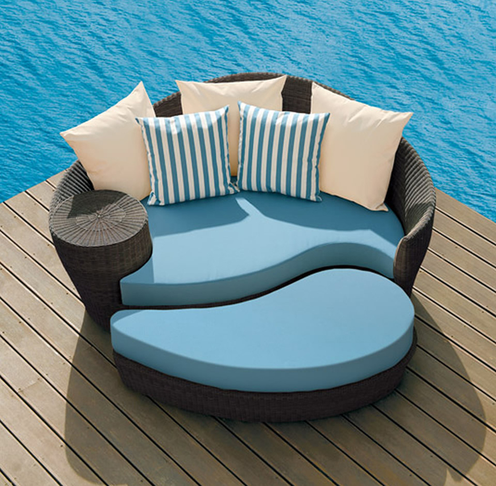 Modern-Outdoor-Furniture-for-Beautiful-Yard_17