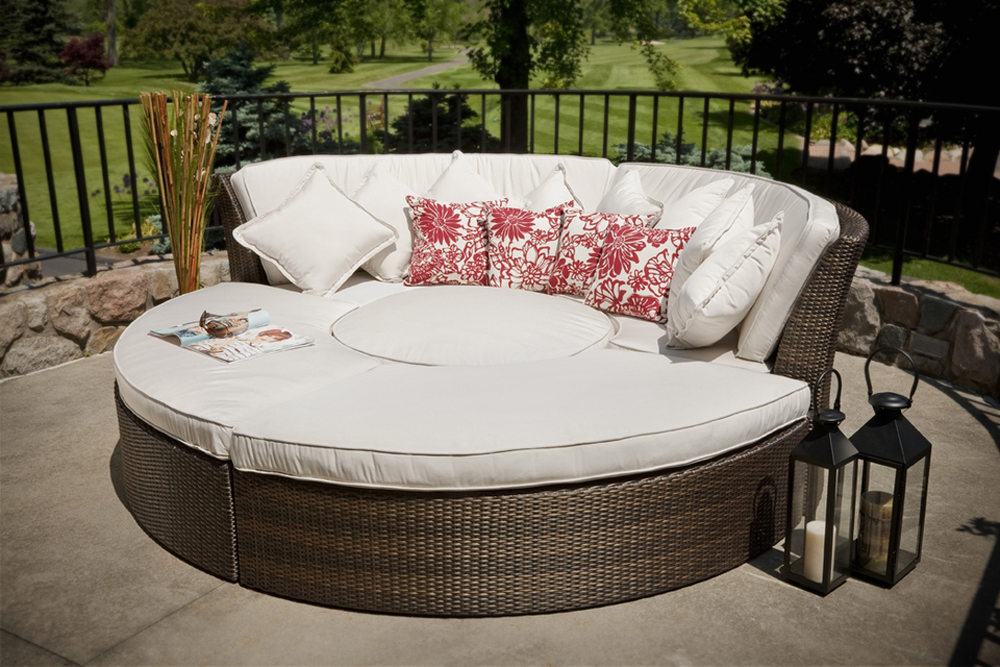 Modern-Outdoor-Furniture-for-Beautiful-Yard_21