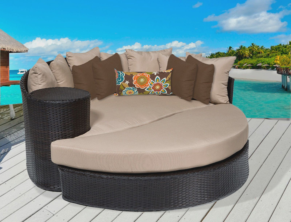 circular outdoor furniture