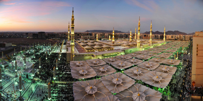 the-giant-umbrellas-for-protection-pilgrims-at-the-medina-haram-piazza-in-saudi-arabia_4