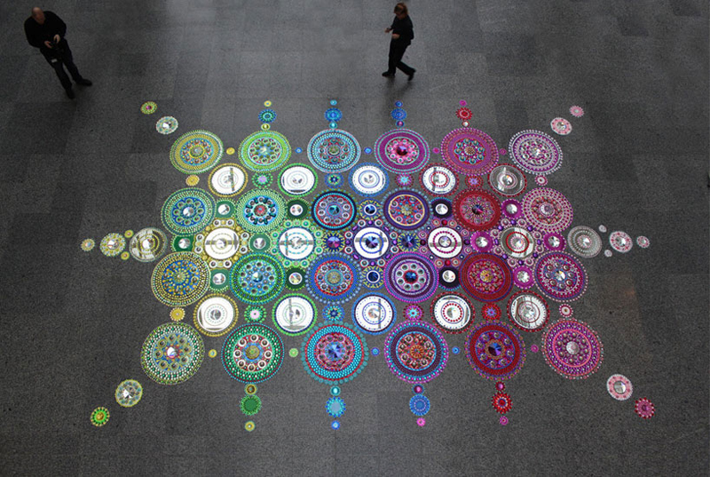 kaleidoscopic-crystal-floor-installation_1