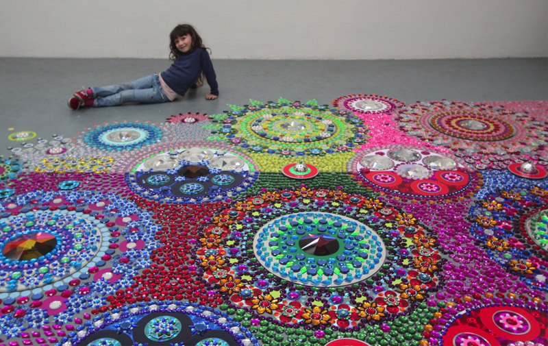 kaleidoscopic-crystal-floor-installation_10