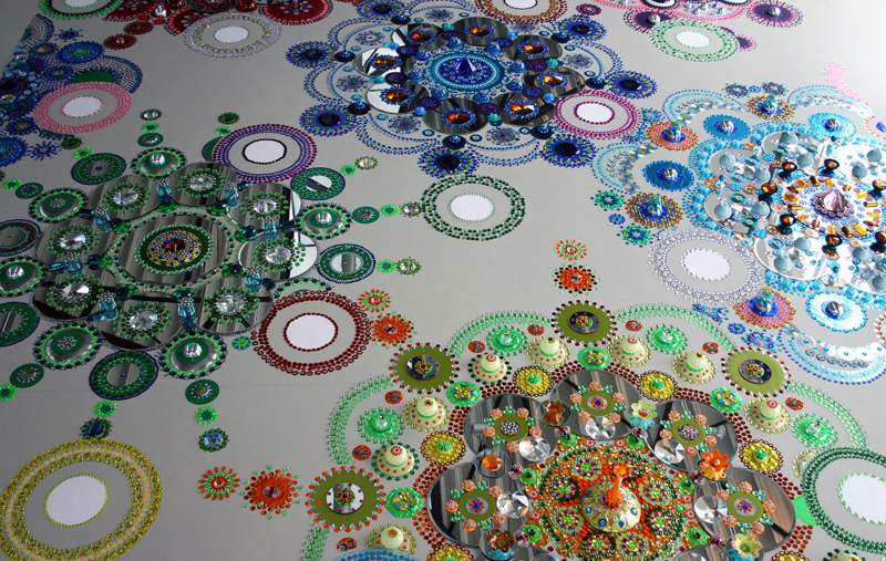 kaleidoscopic-crystal-floor-installation_4