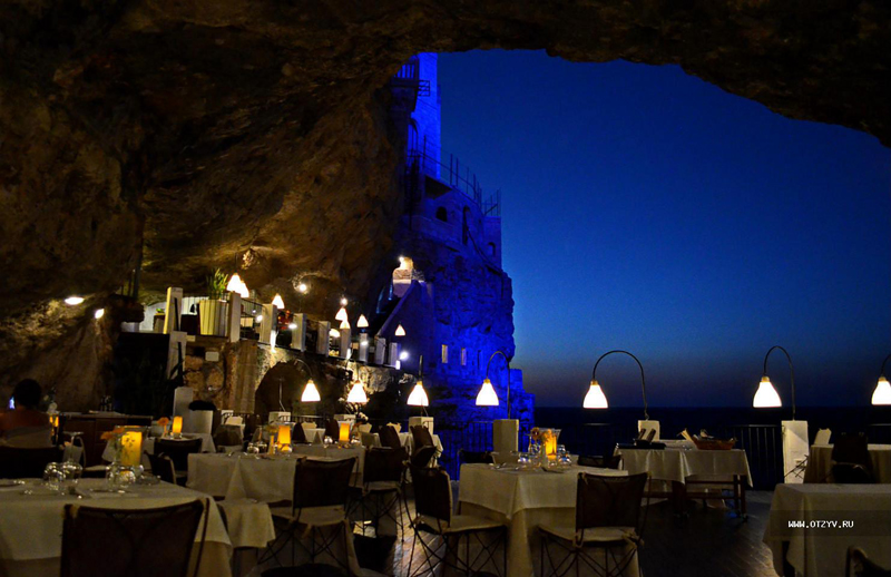 romantic-italian-restaurant-set-inside-cave_3