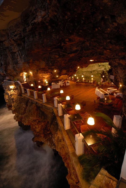 romantic-italian-restaurant-set-inside-cave_4