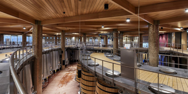 winery-and-hotel_n