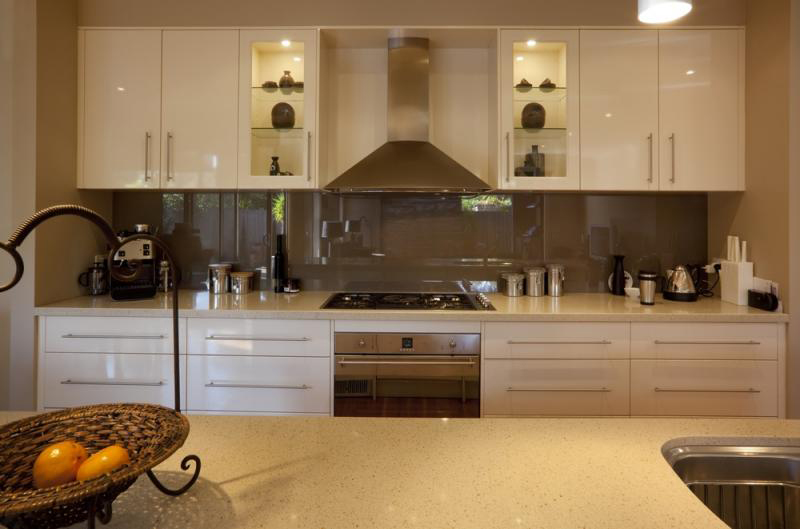 gold-bronze-metallic-kitchens_8