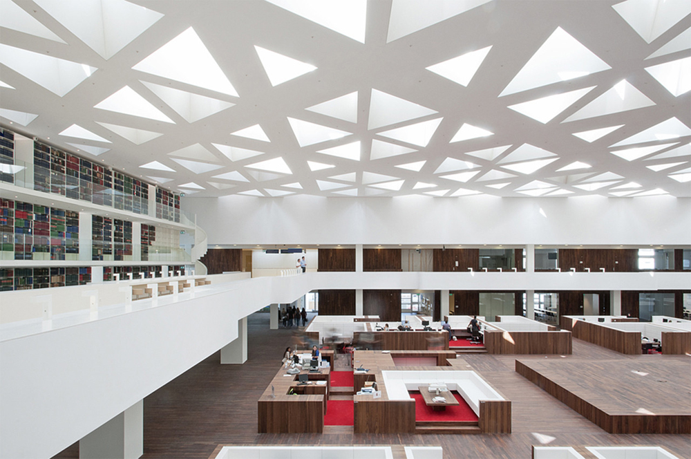education-center-by-kaan-architecten-with-remarkable-bookcase_6