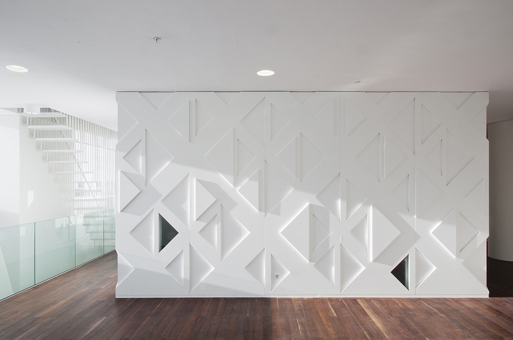 education-center-by-kaan-architecten-with-remarkable-bookcase_7