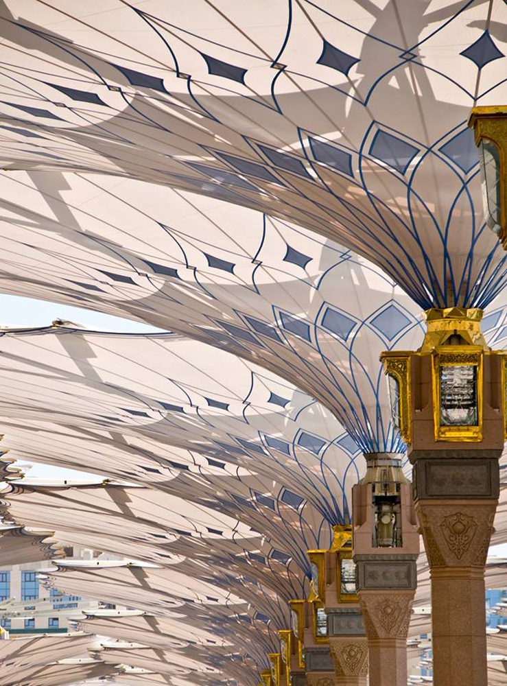 the-giant-umbrellas-for-protection-pilgrims-at-the-medina-haram-piazza-in-saudi-arabia_6